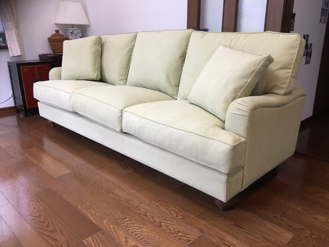 Anne 3 seater  Custom made 、Feather cushions、w2200